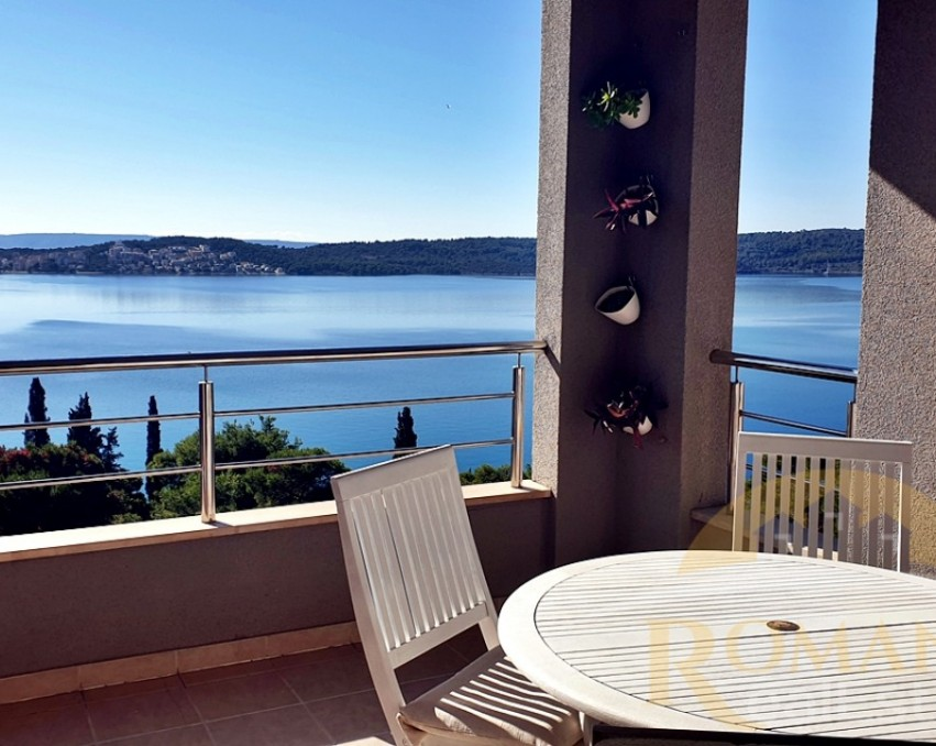 Three bedroom apartment | Trogir | For sale