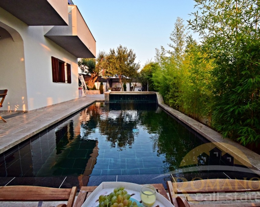 House with swimming pool - Okrug Donji/Ciovo