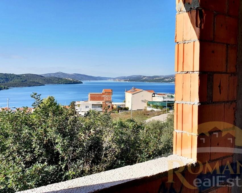 Unfinished house Okrug Gornji - For sale