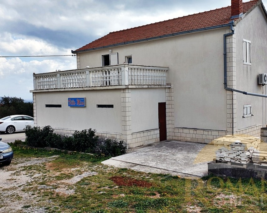 The property in Plano near Trogir - For sale
