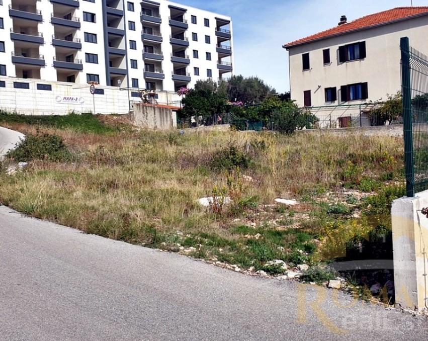 Građevinsko zemljište u Segetu Donjem - 762 m2