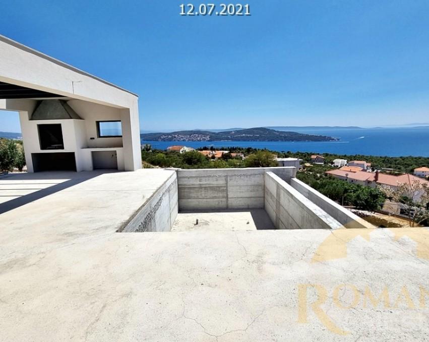 Modern luxury villa in Seget Donji
