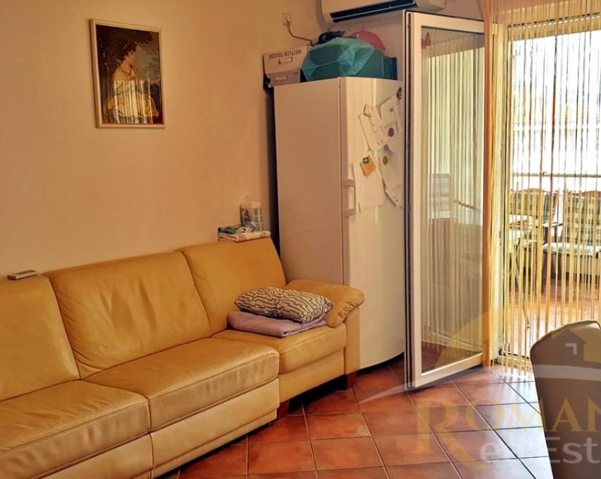 Prodaje se trosoban stan u Okrugu Gornjem - Na prodaju