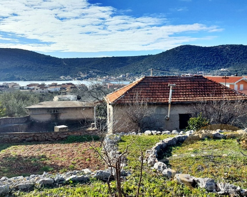The stone house in Vinišće - Sale
